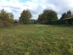 Terrain plat de 1400 m²