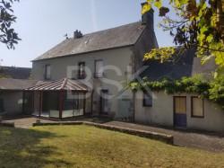 Maison de village pouvant vivre de plain-pied à 8min de St Hilaire-du-Harcouët