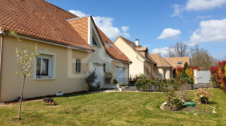 A 15 min du Mans-Université, Maison d'architecte de 2005 avec 4 chambres sur beau terrain arboré et garage