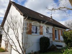 Agréable pavillon très bien entretenu dans un quartier au calme de Varennes-Vauzelles