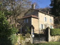 Maison en pierre de trois chambres