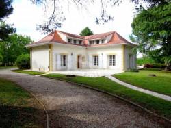 Baisse de prix !!! Montauban secteur Birac, belle villa style Île de France,  T6 de 161 m²  bâtie en 1976 sur 2700 m² de terrain