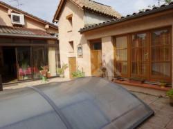 BAISSE DE PRIX !!! Tarn et Garonne (82) au centre ville de GRISOLLES. T6 de 179 m² avec Studio indépendant de 25 m², piscine séc