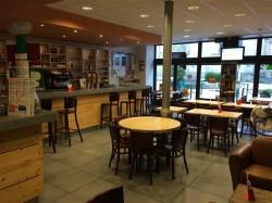 Vends Très beau Café PMU refait à neuf pas de salarié