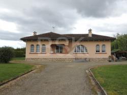 Belle maison atypique de 86 m² SH sur terrain 3113 m² avec une partie constructible et dépendances