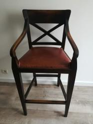Chaise haute en bois et cuir