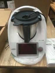 Thermomix VORWERK TM6 tout neuf avec garantie jusqu'au 04/22