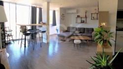 AJACCIO - T3 de 70 m2 rénové + parking privé