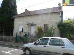 DOLE à vendre maison familiale 5 chambres, terrain clos, très proche centre ville, garage, sous-sol