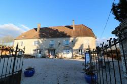 Secteur Dole, vends superbe maison bourgeoise de 24 pièces, 400m² habitables sur 2250m² de terrain