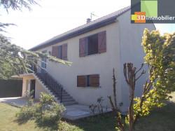 Chaussin vends agréable maison de 6 pièces, 115m², s/sol sur terrain arboré de 1650m²