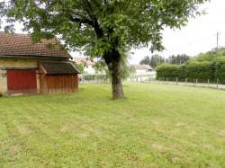 Vente LOMBARD (39230), terrain constructible 677 m² avec garage double en pierre