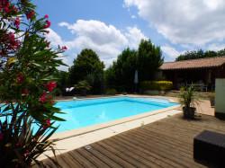 Maison avec piscine, dépendance (possibilité studio) et garage