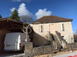 Maison  de village       proche St EMILION     158000€