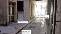 Local-Cave à louer 19 m²– Hypercentre place Grenette, accessible en véhicule, entrée privée