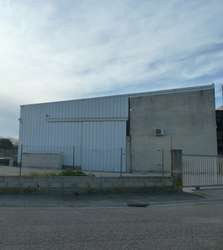 Entrepôt couvert et sécurisé