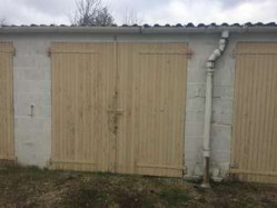 Garage ou espace de stockage à louer