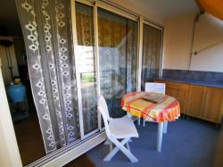 Appartement bien situé à Laval, double terrasse, grand garage