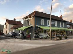 Local commercial et 3 logements
