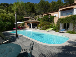BANDOL Très belle villa Provençale de 200 m² avec piscine
