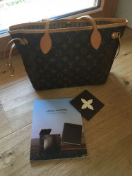 Authentique Louis Vuitton Neverfull PM Monogram