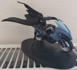 Figurine DC Comics Batman Batcycle