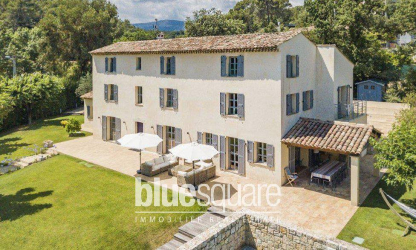 Magnifique demeure du XIXe entièrement rénovée à proximité de Valbonne