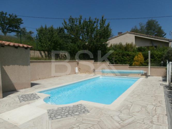 Maison provençale plain pied - Type 4/5 - Piscine -