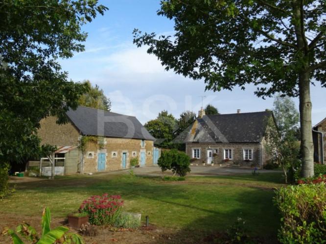 Maison en pierre en campagne 80m² sur terrain de 7885m²