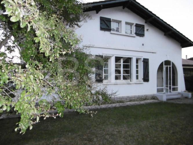 Maison Plain Pied 98 m² Hab .. 3 Chambres ..Terrain de 540 m² ... Proche Centre Ville