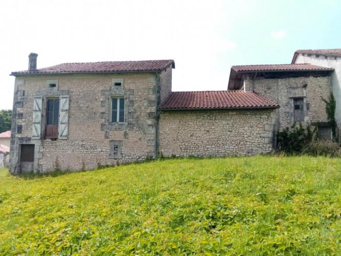 A 5 minutes Saint Séverin, Maison à balet 130m²