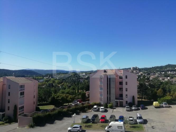 appartement T 2  33 m² avec terrasse