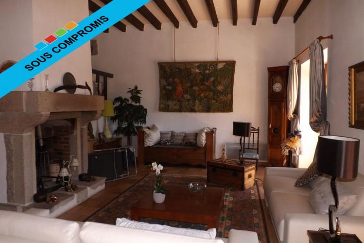 Maison de charme de 210 m2 sur terrain de 1374 m2 avec Piscine