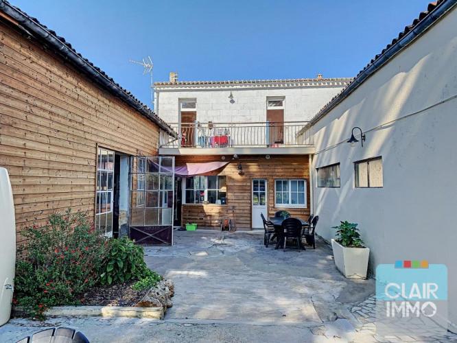 Saint Magne de Castillon : Maison proche Bourg 120m² avec