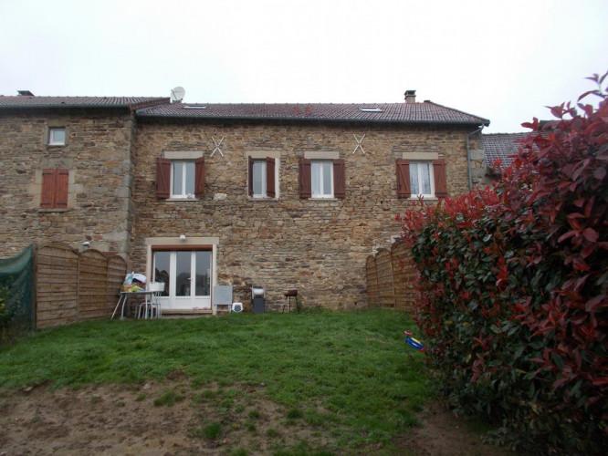 Maison en pierre rénovée de cinq chambres