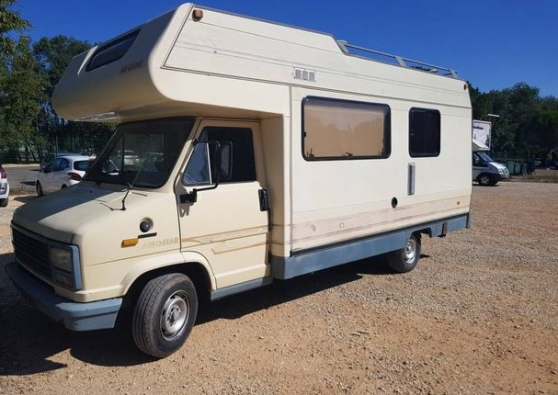 camping-car j5 2,5 diesel année 1995 très propre.