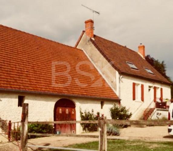 Superbe Maison en PIERRES indépendante/ Grange et ecuries