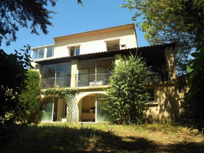 Villa au calme sur les hauteurs de Villevieille. 30250. SOMMIERES