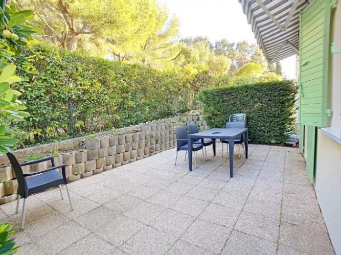 SANARY-SUR MER T2 de 35 m² avec jardin