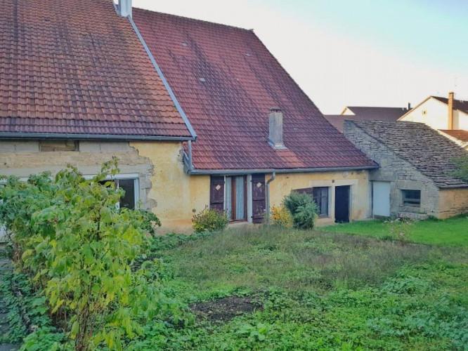 A vendre Maison en pierre 7 pièces LONS LE SAUNIER Premier plateau