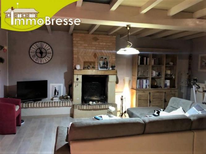 Cormoz - A vendre maison rénovée - Au calme