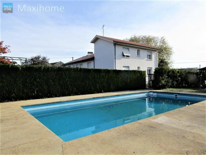 VIBRAC (16120) Maison de type T6 sur sous sol avec piscine et