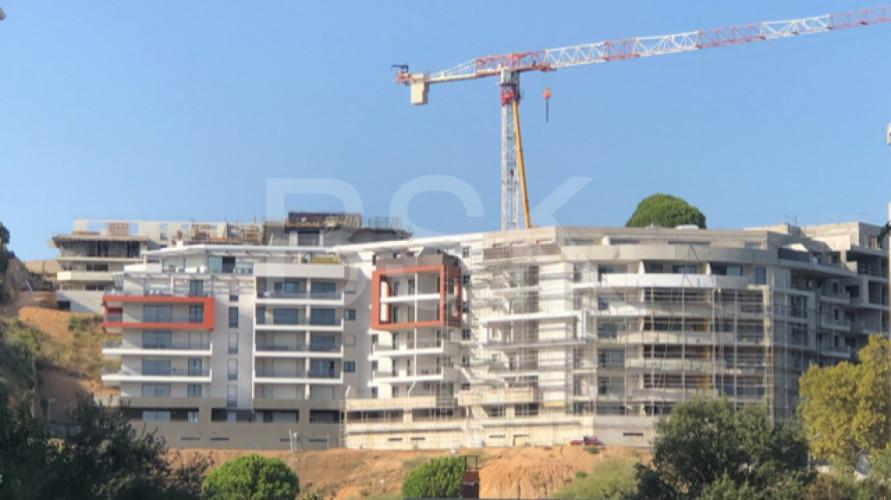 AJACCIO - T3 de 99 m2 + Terrasse de 63 m2 + Jardin vue mer