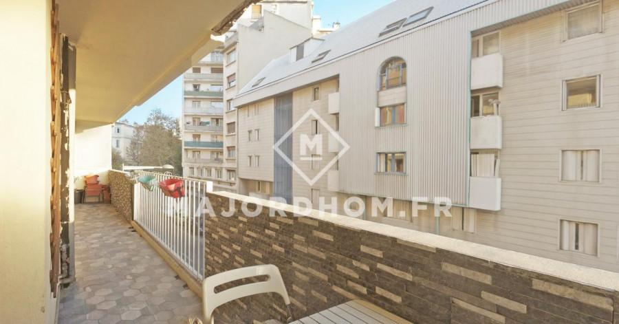 Vente T2 avec grande  terrasse, 13002