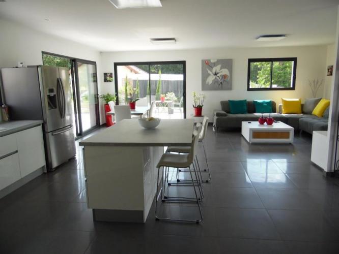 A vendre sur Belley (01300) magnifique maison moderne
