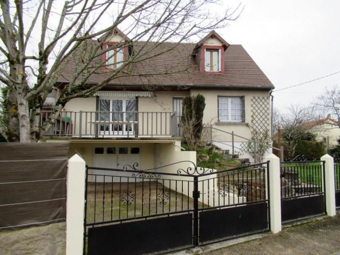 Maison T6 sur terrain de 600 m² en centre-ville de
