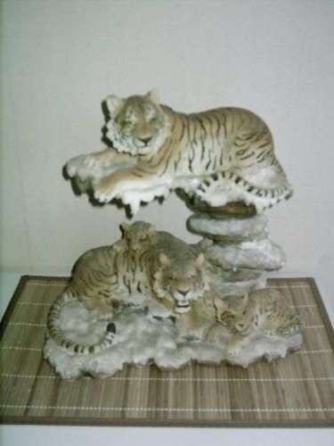 statues tigres