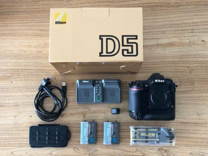 boitier Nikon D5 NU  totalement neuf