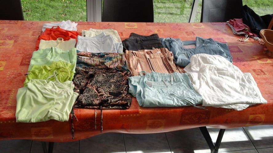 hauts, jupes, blousons, manteau, pantalons