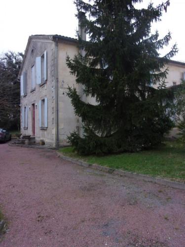 MONTENDRE centre : demeure 19ème siècle 8 pièces 223 m² -